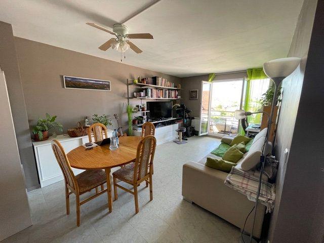 Appartement à louer 4 77.31m2 à Melun vignette-2