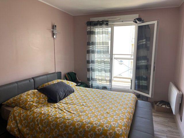 Appartement à louer 4 77.31m2 à Melun vignette-3