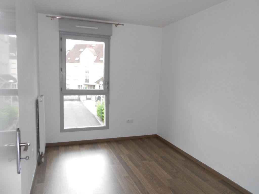 Appartement à louer 3 57.96m2 à Melun vignette-3