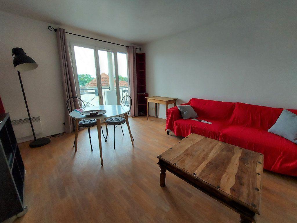 Appartement à louer 2 42.34m2 à Dammarie-les-Lys vignette-1