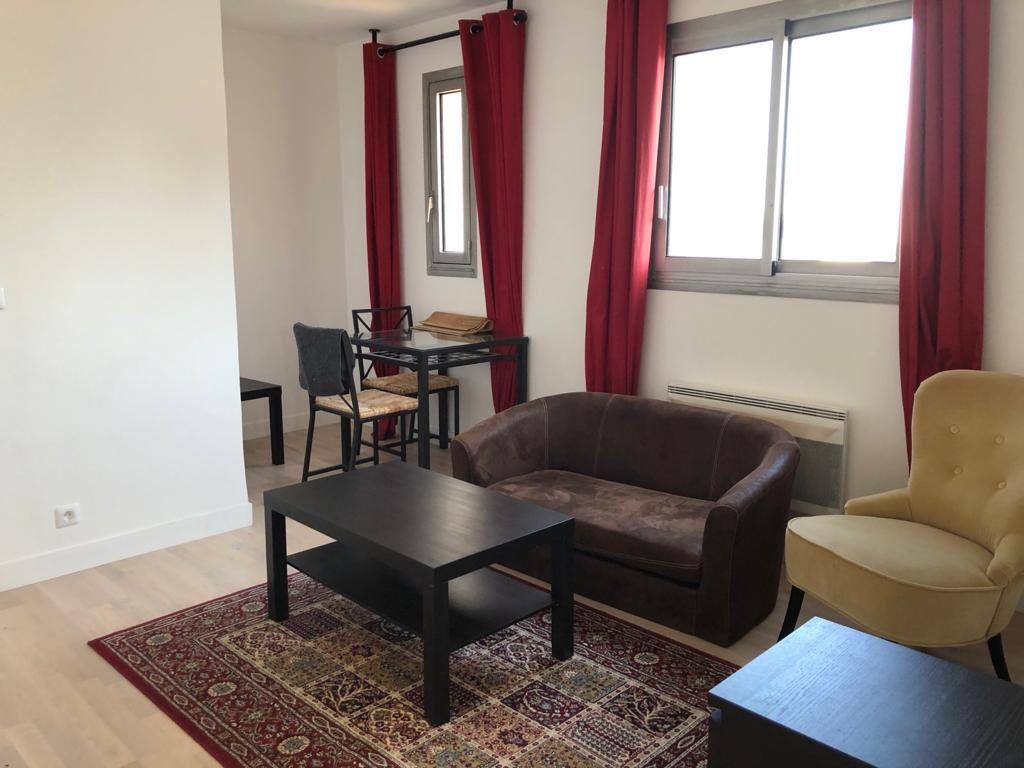 Appartement à louer 2 32.5m2 à Melun vignette-4