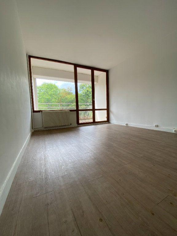 Appartement à louer 2 41.82m2 à Vaux-le-Pénil vignette-1