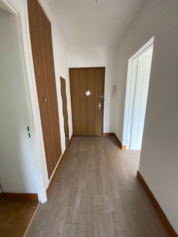 Appartement à louer 2 41.82m2 à Vaux-le-Pénil vignette-2