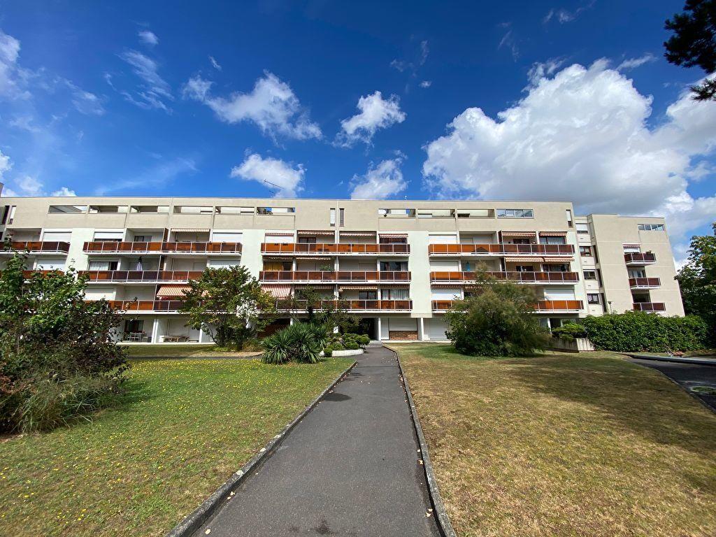 Appartement à vendre 3 75m2 à Melun vignette-2