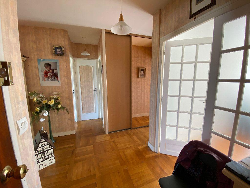 Appartement à vendre 3 75m2 à Melun vignette-3