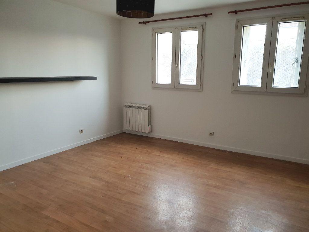 Appartement à louer 2 43.25m2 à Melun vignette-2