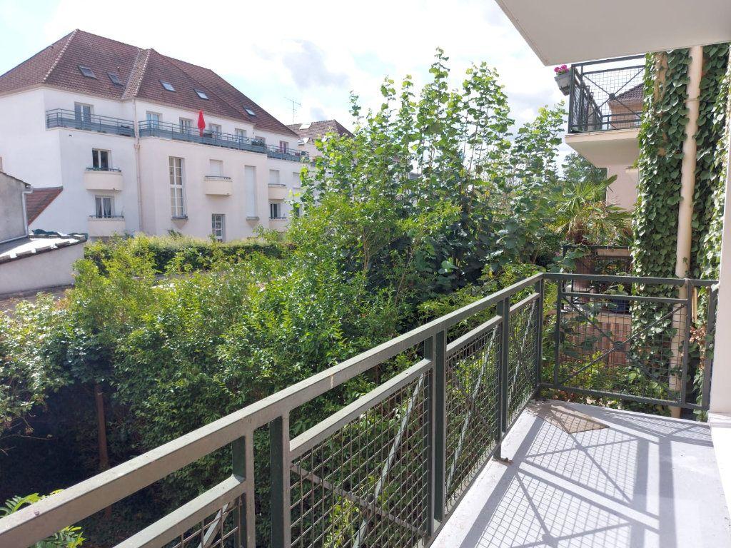 Appartement à louer 3 67.37m2 à Melun vignette-2