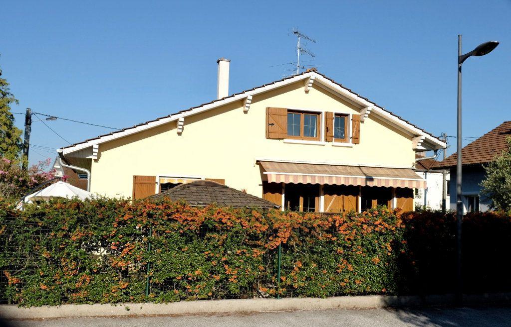 Maison à vendre 6 150m2 à Annemasse vignette-2
