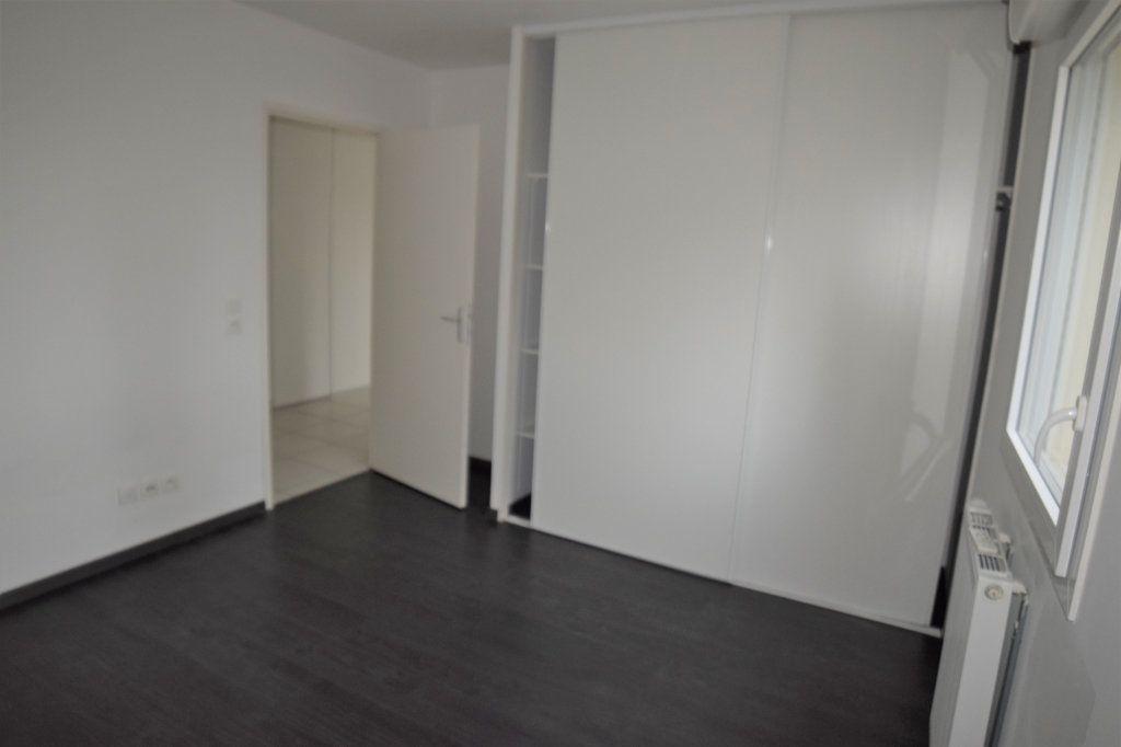 Appartement à louer 2 45m2 à Vétraz-Monthoux vignette-5