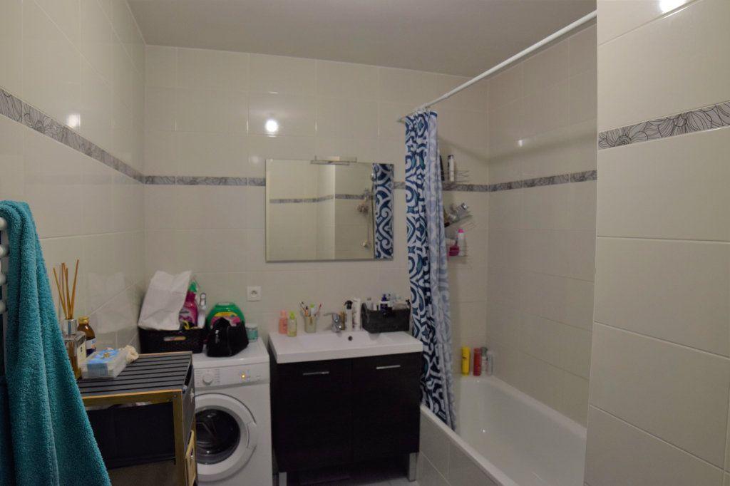 Appartement à louer 2 45m2 à Vétraz-Monthoux vignette-6
