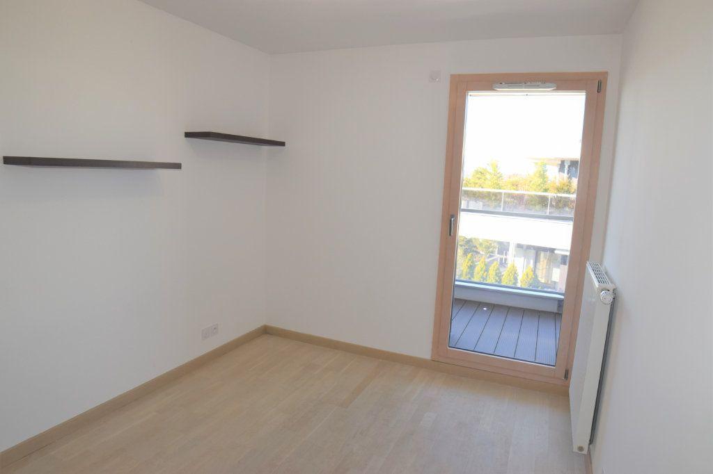 Appartement à louer 3 70.54m2 à Ambilly vignette-6
