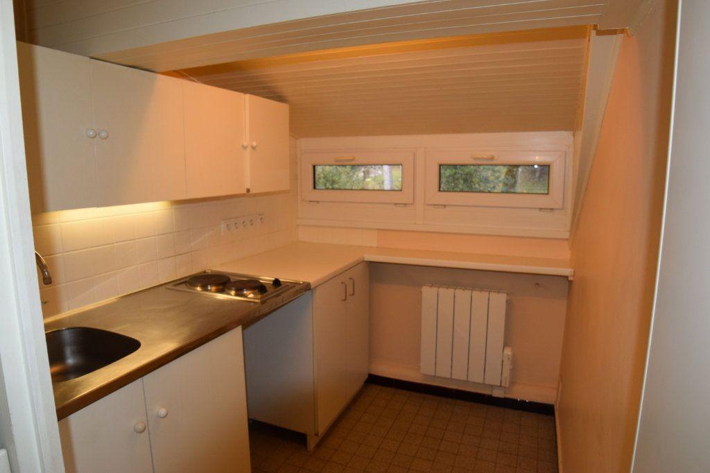 Appartement à louer 2 37m2 à Monnetier-Mornex vignette-2