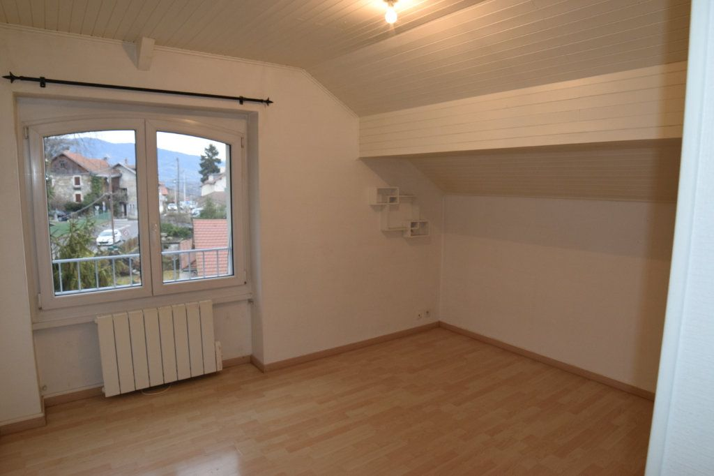 Appartement à louer 2 37m2 à Monnetier-Mornex vignette-3