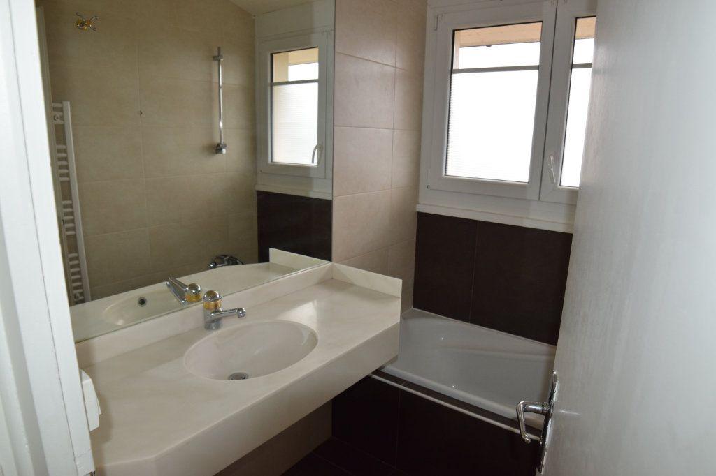 Appartement à louer 2 37m2 à Monnetier-Mornex vignette-4