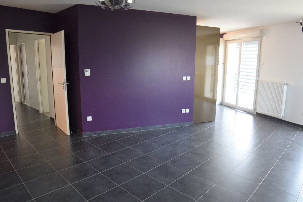 Appartement à louer 4 91.56m2 à Annemasse vignette-4