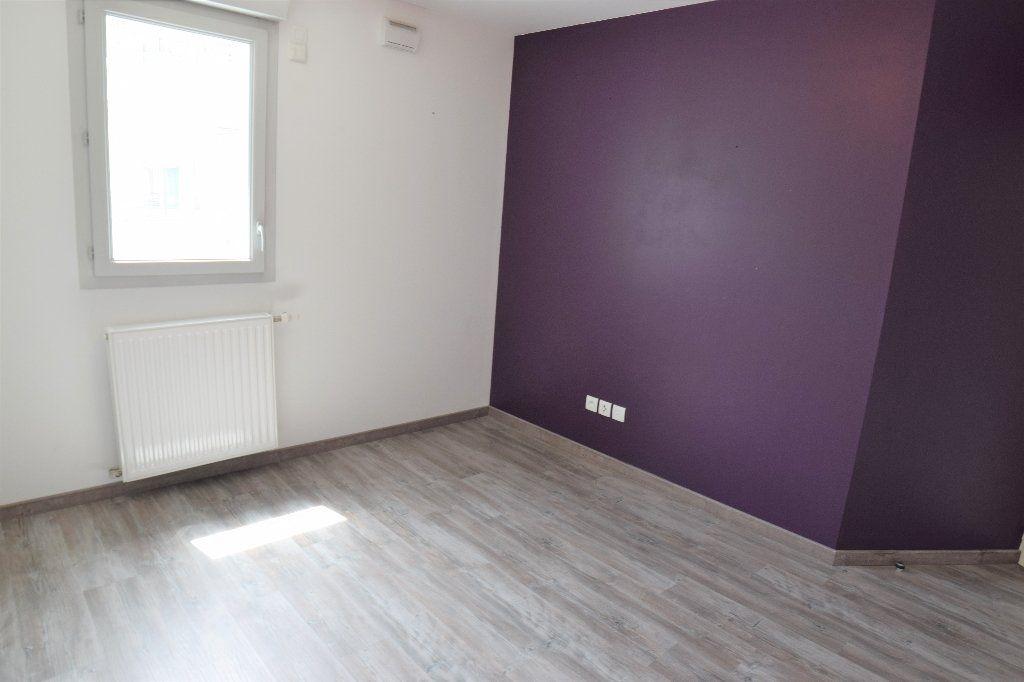 Appartement à louer 4 91.56m2 à Annemasse vignette-6