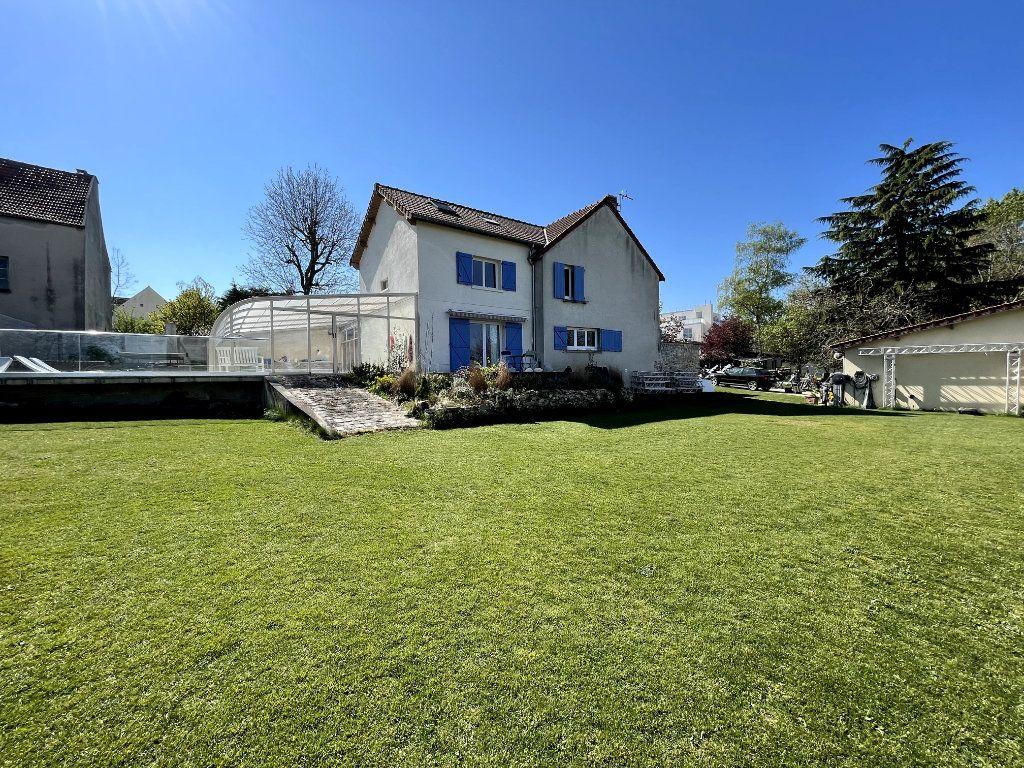 Maison à vendre 9 300m2 à Saint-Thibault-des-Vignes vignette-1