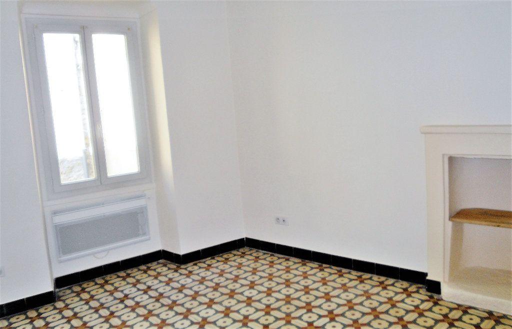 Appartement à louer 2 45.1m2 à L'Escarène vignette-2