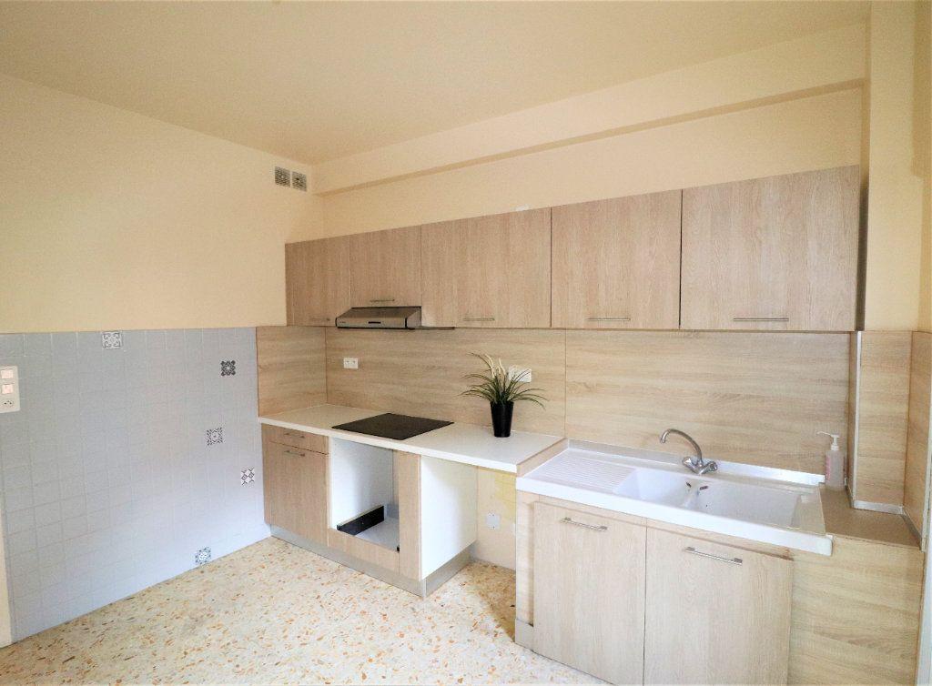 Appartement à vendre 4 98.26m2 à L'Escarène vignette-2