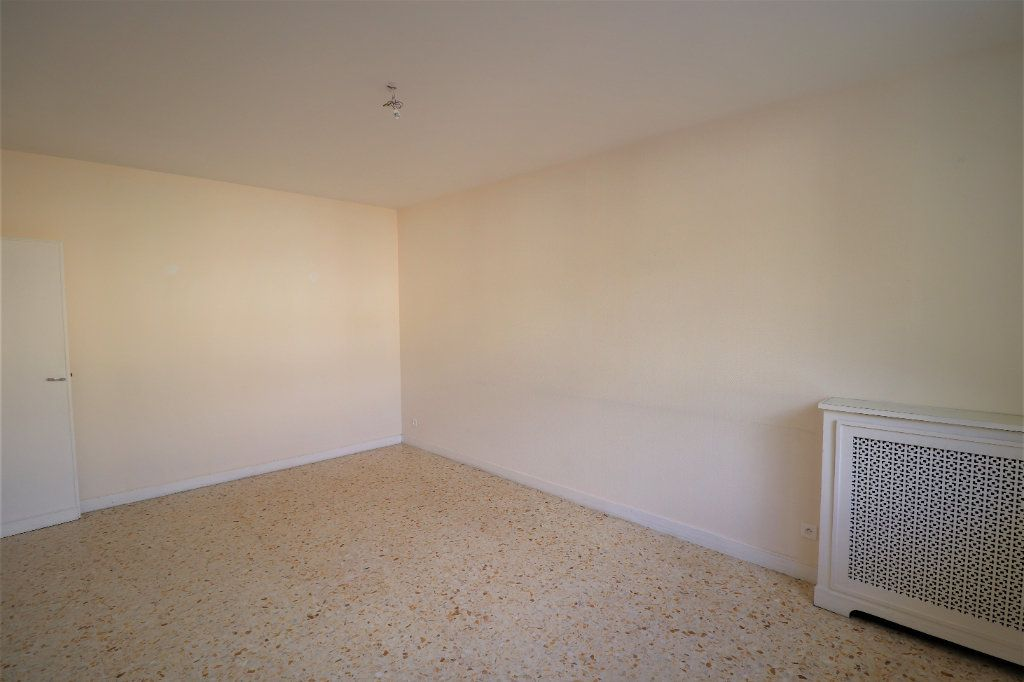 Appartement à vendre 4 98.26m2 à L'Escarène vignette-3