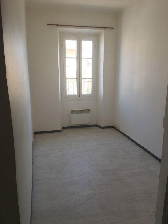 Appartement à louer 2 28m2 à Berre-les-Alpes vignette-2