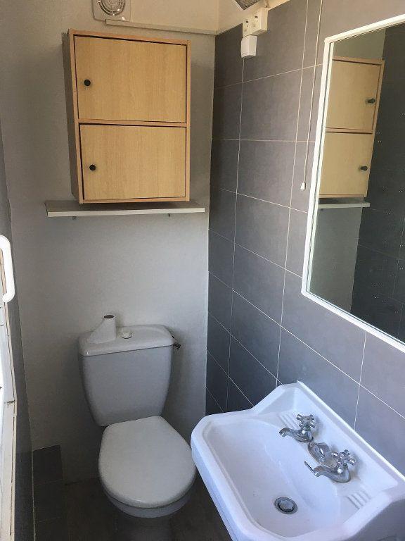 Appartement à louer 2 28m2 à Berre-les-Alpes vignette-6