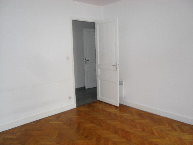 Appartement à louer 2 45m2 à Nice vignette-9