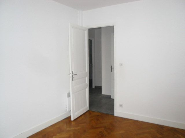 Appartement à louer 2 45m2 à Nice vignette-11