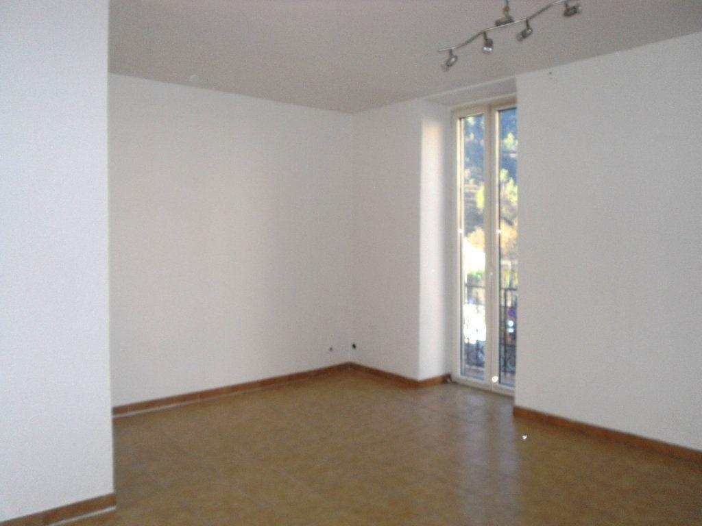 Appartement à louer 3 50.1m2 à L'Escarène vignette-3