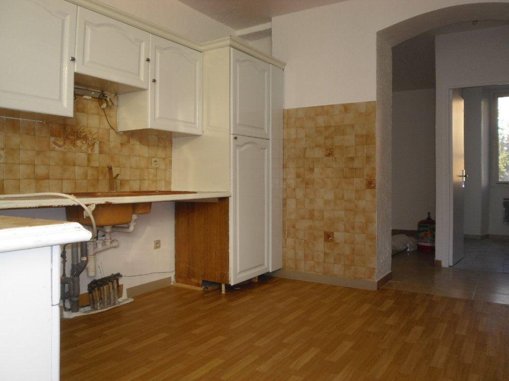 Appartement à louer 3 50.1m2 à L'Escarène vignette-5