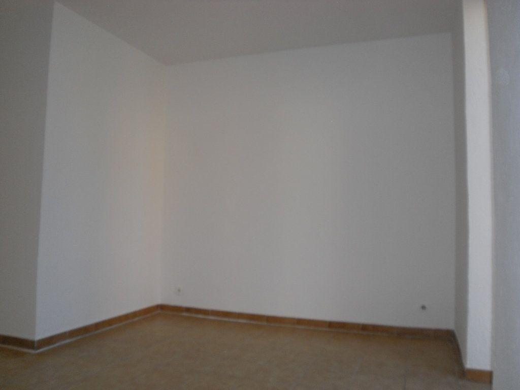 Appartement à louer 3 50.1m2 à L'Escarène vignette-6
