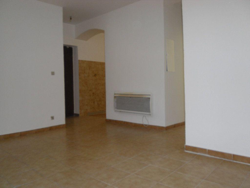 Appartement à louer 3 50.1m2 à L'Escarène vignette-7