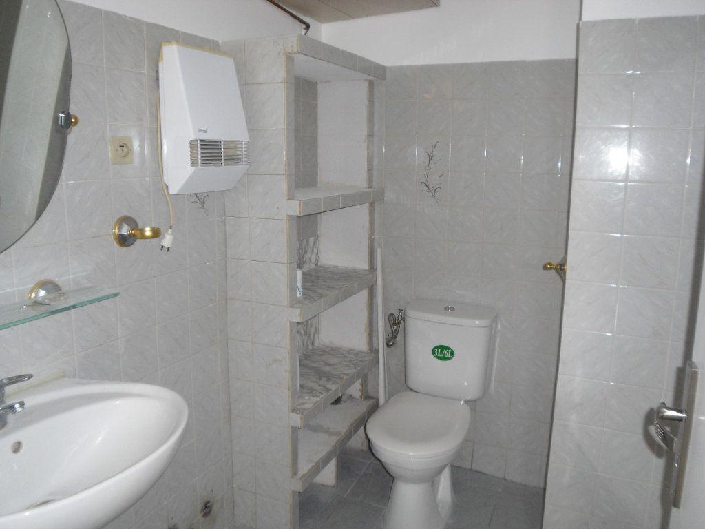 Appartement à louer 3 50.1m2 à L'Escarène vignette-9