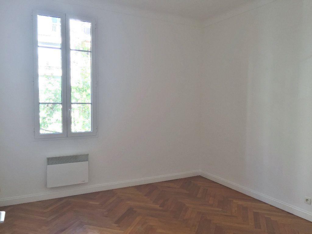 Appartement à louer 1 30.24m2 à Nice vignette-2