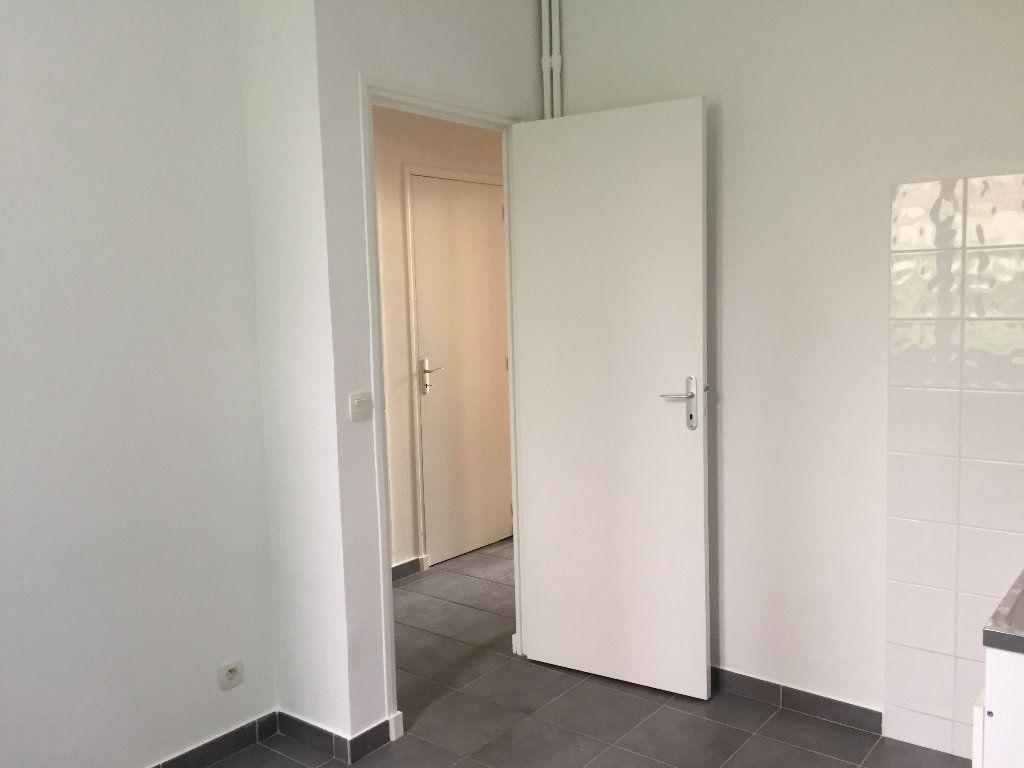 Appartement à louer 1 30.24m2 à Nice vignette-6