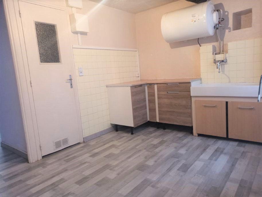Appartement à louer 2 22m2 à L'Escarène vignette-3