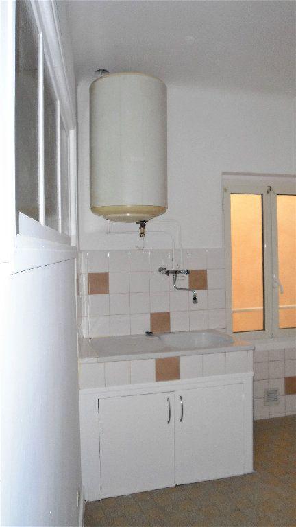 Appartement à louer 2 43.7m2 à L'Escarène vignette-2