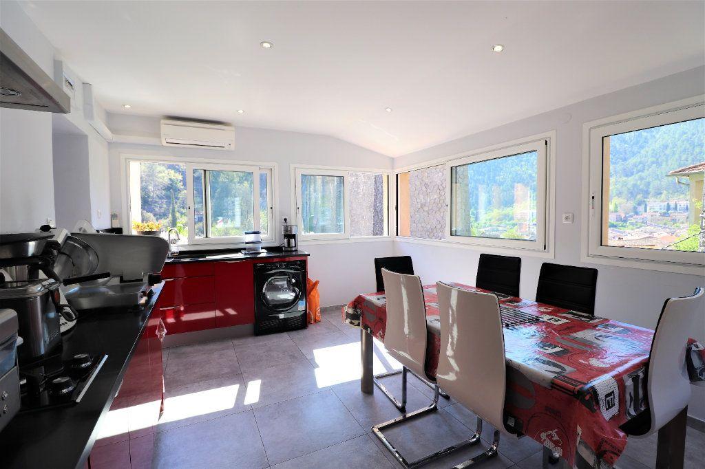 Appartement à vendre 6 104.34m2 à L'Escarène vignette-1
