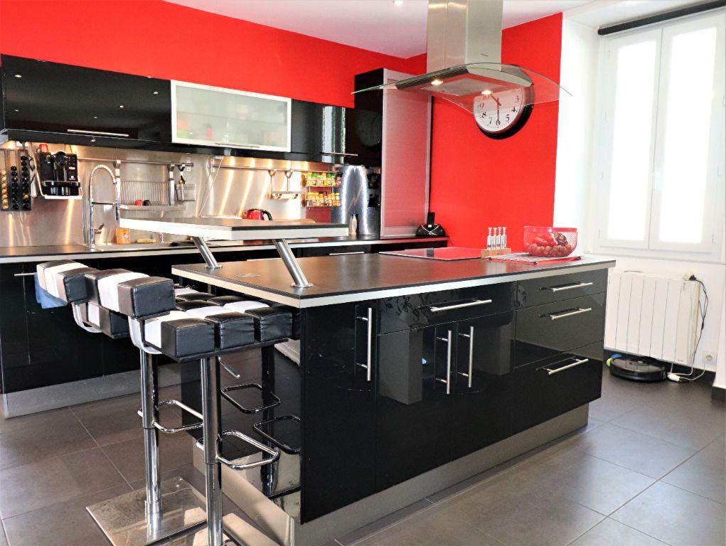 Appartement à vendre 6 104.34m2 à L'Escarène vignette-2