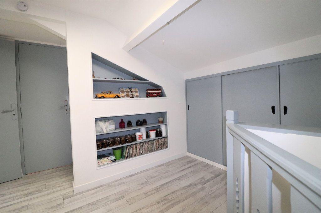 Appartement à vendre 6 104.34m2 à L'Escarène vignette-9