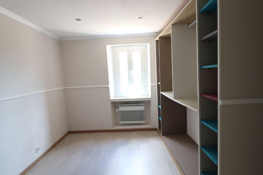 Appartement à louer 5 83m2 à Lucéram vignette-3
