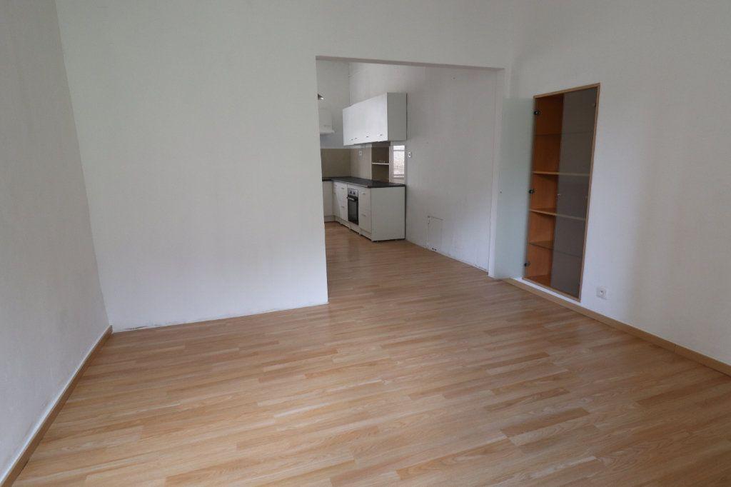 Appartement à louer 5 83m2 à Lucéram vignette-6