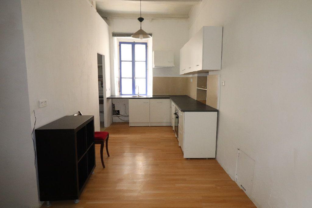 Appartement à louer 5 83m2 à Lucéram vignette-7