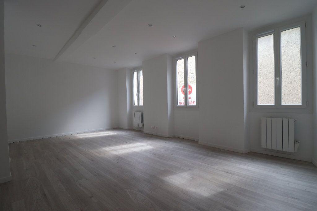 Appartement à louer 4 78.29m2 à L'Escarène vignette-3