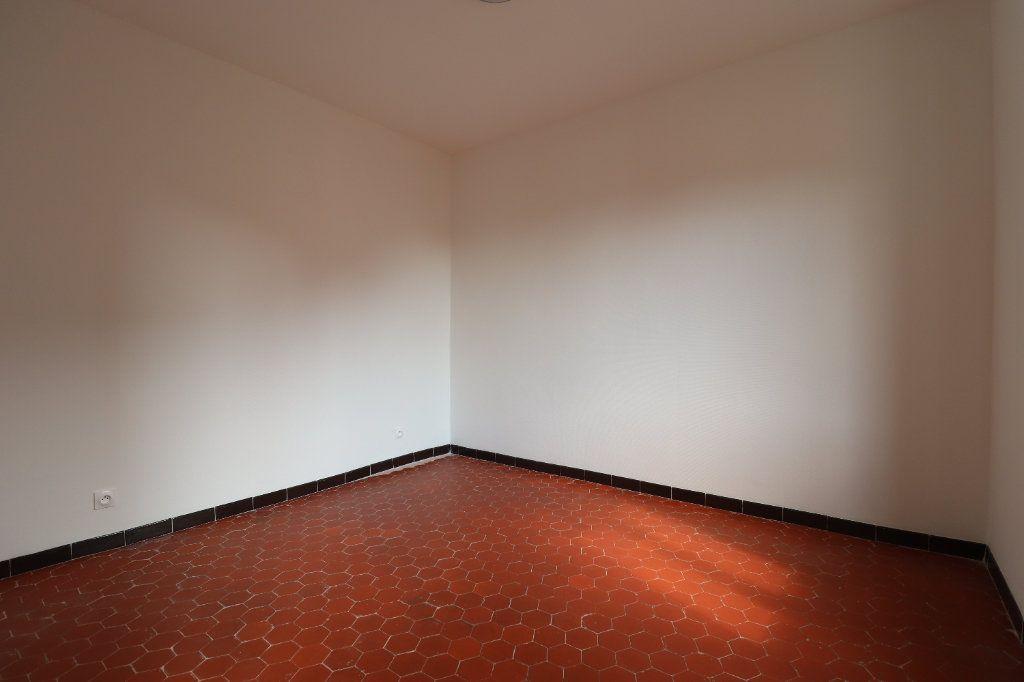 Appartement à louer 4 78.29m2 à L'Escarène vignette-9