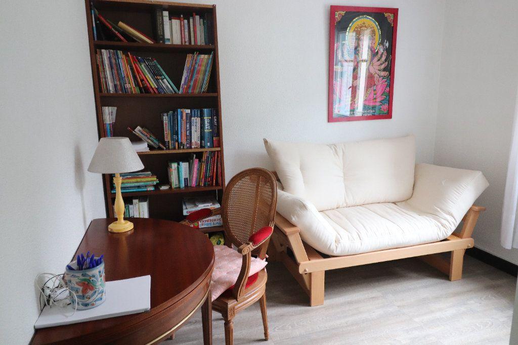 Appartement à louer 3 56.08m2 à Peillon vignette-2