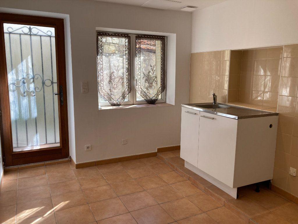 Appartement à louer 1 19.6m2 à Drap vignette-1