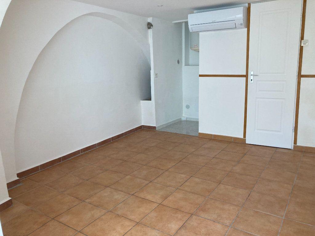 Appartement à louer 1 20.8m2 à Drap vignette-1