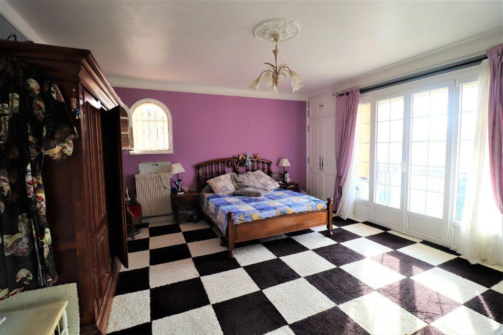 Maison à vendre 4 165.78m2 à Coaraze vignette-8