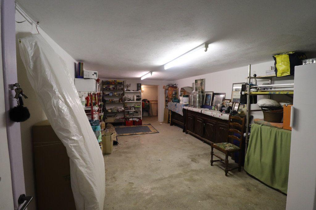 Maison à vendre 4 165.78m2 à Coaraze vignette-13